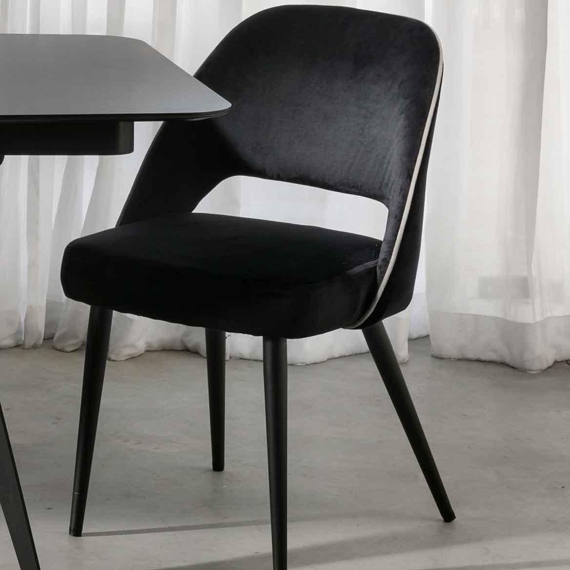 רהיטי קיבוץ השלושה כסאות אוכל